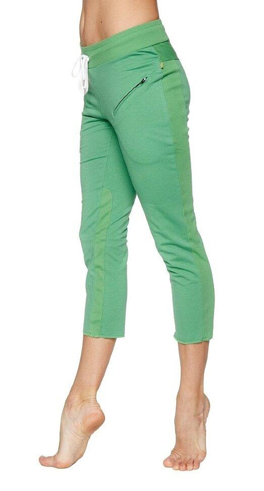 Women's 4/5 Length Zipper Pocket Capri Yoga Pant (Green)
