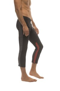 Mens 4/5 Zipper Pocket Capri Yoga Pants (Black w/Charcoal & Red)