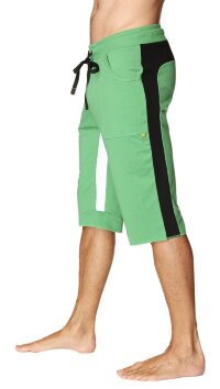 Tri-color Ultra-flex Yoga Short (Green w/Black & White)